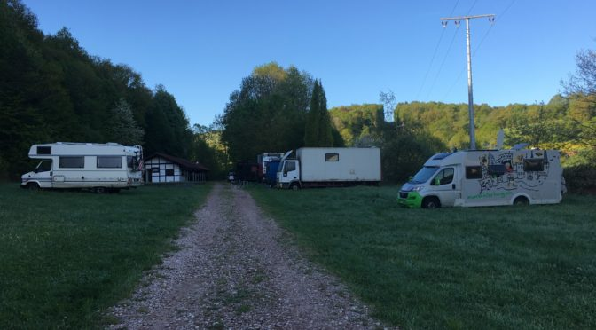 Monschterburg an Familie und Freunde…